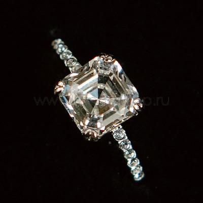 Кольцо Принцесса с белым кристаллом Swarovski