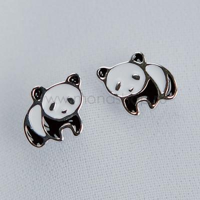 Серьги детские серебряные Маленькая панда с черной и белой эмалью