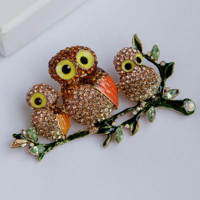 Брошь Три совы на ветке с австрийскими кристаллами