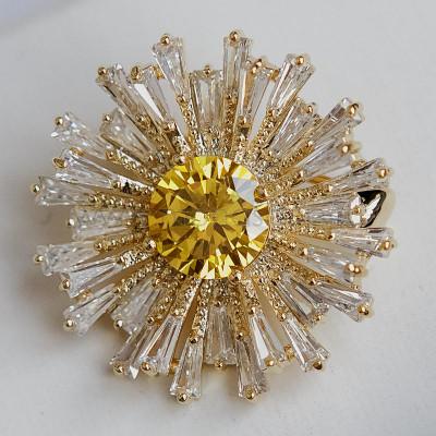 Брошь малая Лучистое солнышко с кристаллами Сваровски